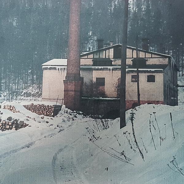 © Carl Dietrich GmbH im Winter – Feuerung mit Holz