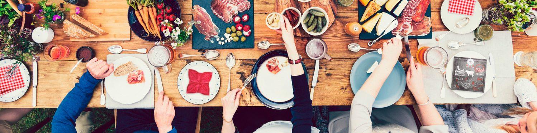 Designs und Produkte rund um den gedeckten Tisch